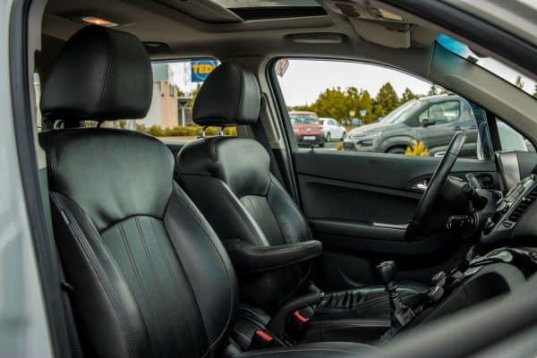 Chevrolet Orlando Fahrer- und Beifahrersitz